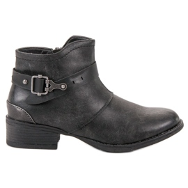 Groto Gogo black Boots With An Ornate Buckle
