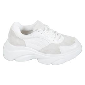 Seastar white Sport Shoes On The Platform