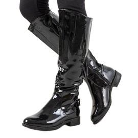 Black lacquered boots W-90
