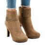 Khaki suede boots on the SQ15 post