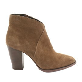 Badura Suede boots on the post