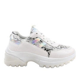 Gemre White stylish sports shoes 690051