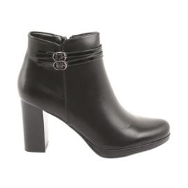 Daszyński Women's boots on the post black