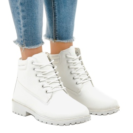White trappers without insulation W-3033