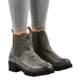 Gray boots on the post with a Z105 elastic band grey