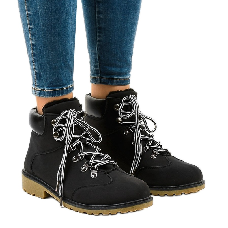 Black insulated boots DS1702