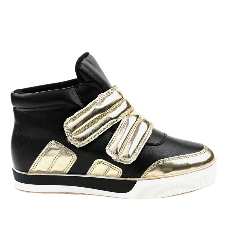 Black insulated sneakers on the wedge GF-ZM26