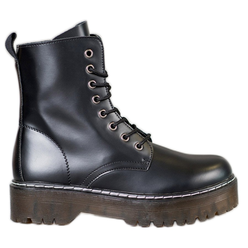 Kylie Boots On The Platform black