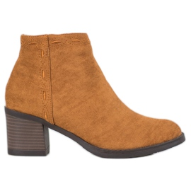 Kylie Camel Boots On A Bar brown