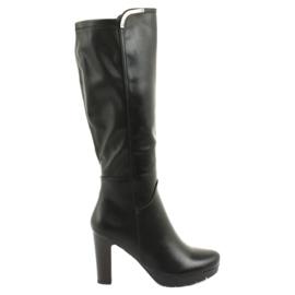 Boots on the post Daszyński SA50 black