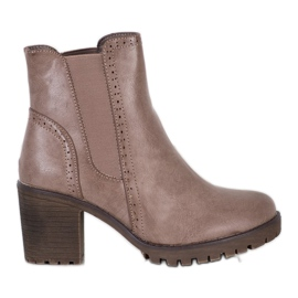 J. Star Slip-on Boots On The Platform brown