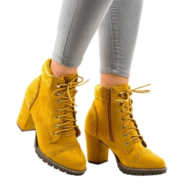Yellow suede boots on the post 995-31