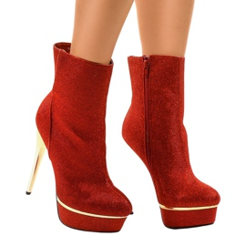 Red high boots on AH85723-4
