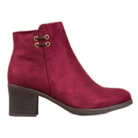 Clowse Burgundy Booties On A Bar red