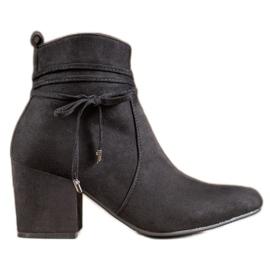 SHELOVET Boots On A Bar black