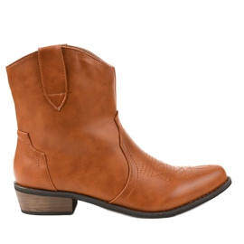 Brown boots on the cowboy boots 928-1
