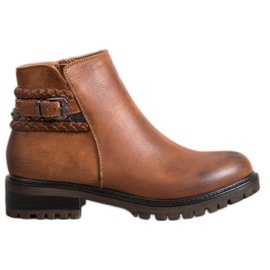Erynn Low Workers With A Decorative Belt brown