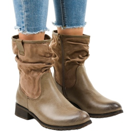 Brown insulated flat boots 3431
