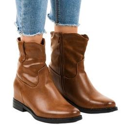 Brown insulated cowboy boots G-7607