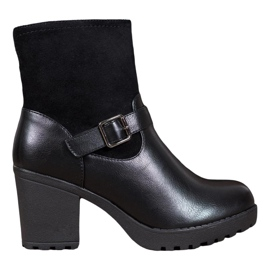 J. Star Fashionable Boots On The Platform black
