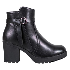 J. Star Comfortable Booties On The Platform black