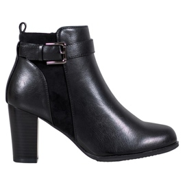 J. Star Warm Boots With A Buckle black