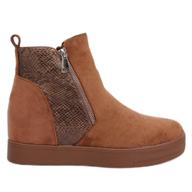 Boots on a hidden wedge camel RQ235 Camel brown