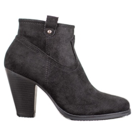 Ideal Shoes Casual Black Ankle Boots