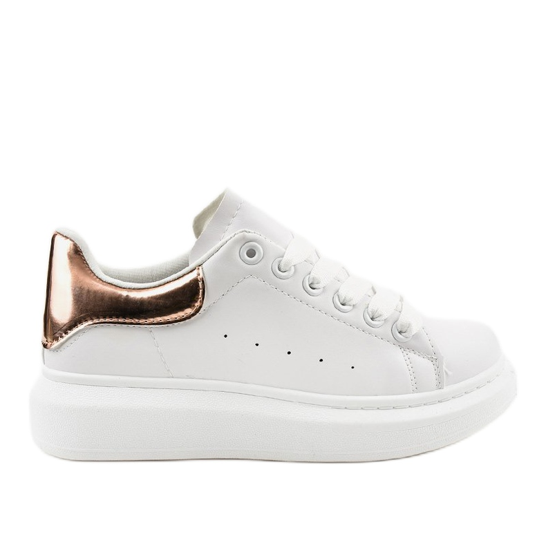 White sneakers on a thick sole 650-3