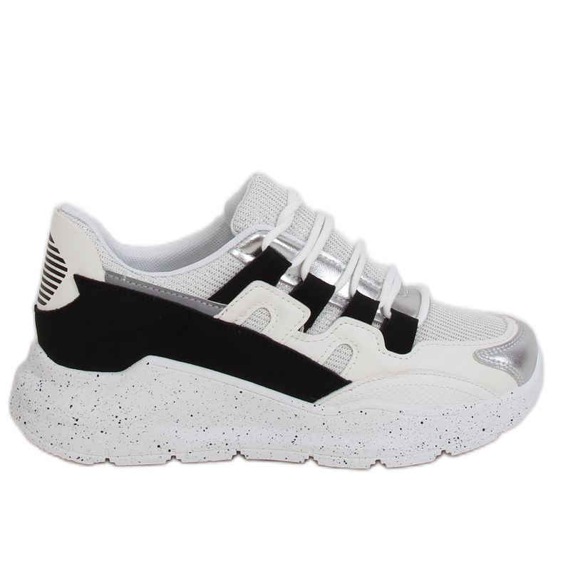 2009 Black and white women's sports shoes