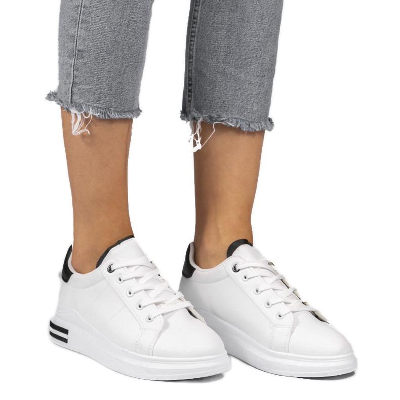 LG20 white classic sneakers black