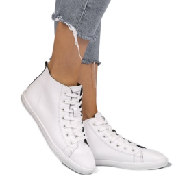 White high classic women's sneakers 9858