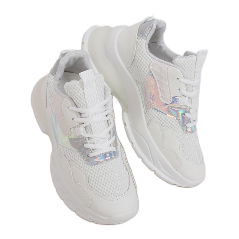 White sports shoes BH003 White