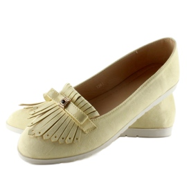 Pastel loafers with yellow fringes 5
