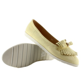 Pastel loafers with yellow fringes 4