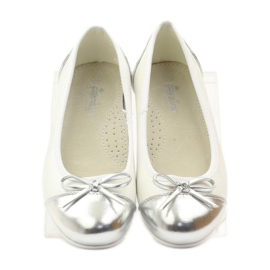 American Club Ballerinas shoes with an American bow white 4