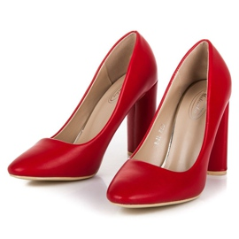 Red classic pumps 5