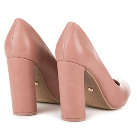 Ideal Shoes Pink pumps on the post 1