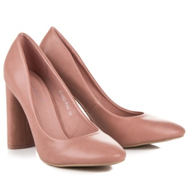Ideal Shoes Pink pumps on the post 2