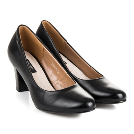 Vices Black pumps on the post 1