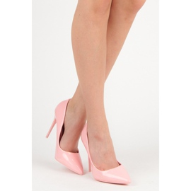 Pale pink high heels vices 7