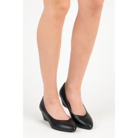 Pumps on wedge vices black 4