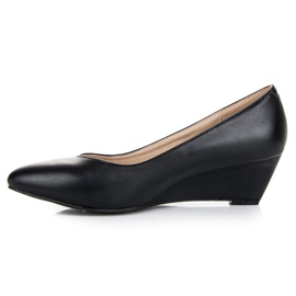 Pumps on wedge vices black 1