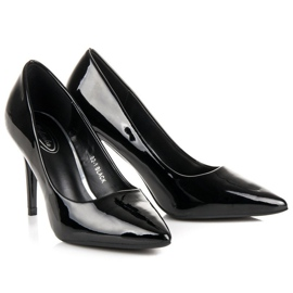 Lacquered pumps on a pin black 3