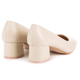 Renda Beige pumps with low heels 4