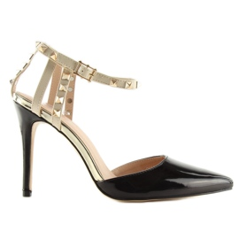 Black Pumps with studs black At 3