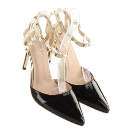 Black Pumps with studs black At 5