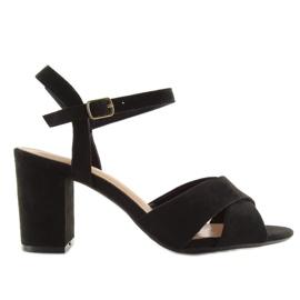 Wide-heeled black sandals 100 7