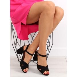 Wide-heeled black sandals 100 1