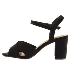 Wide-heeled black sandals 100 3